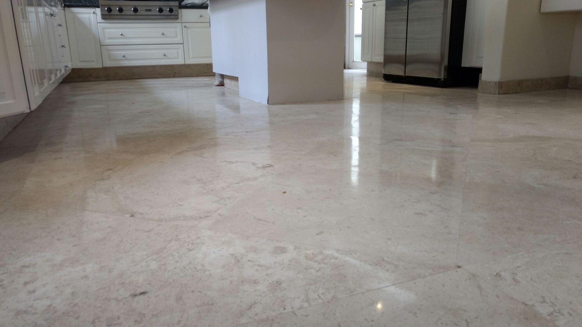 Pulido y brillado de m rmol con diamantes pulido de for Como limpiar pisos de marmol