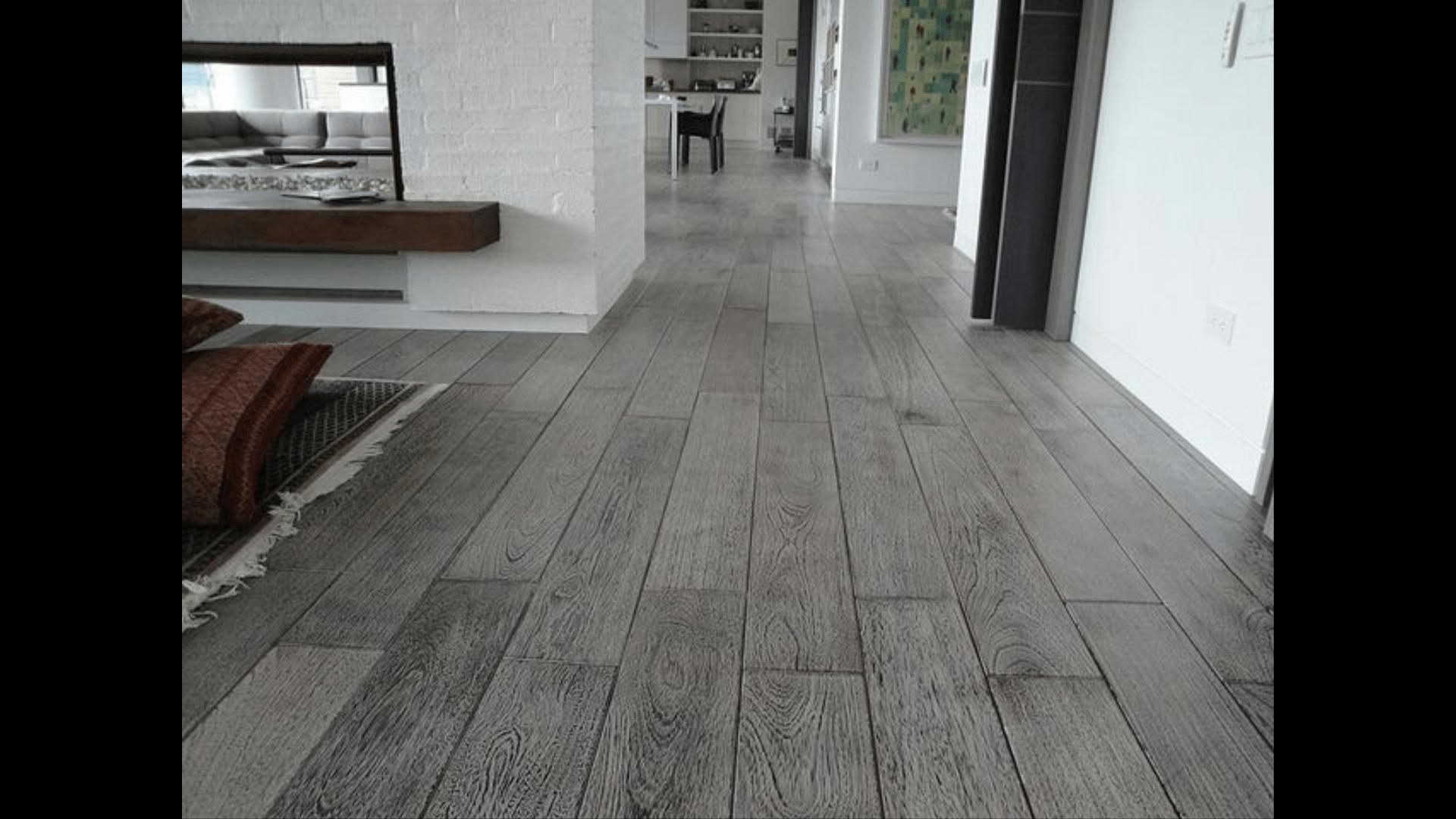 Mantenimiento de pisos de madera laminados y vin licos for Decoracion piso gris